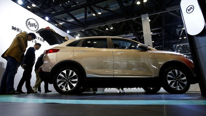 Manufacturers of super luxury cars play dangerous SUV models